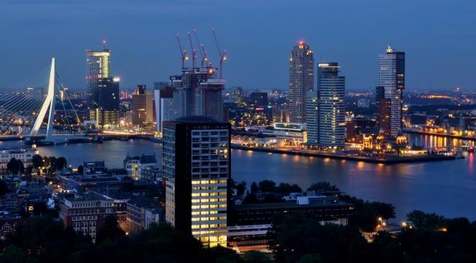 Ir. Frank Le Clercq van TNO: Hoe maakbaar is de ontwikkeling van de stad?  De stad raakt op drift. 1994, nr. 8