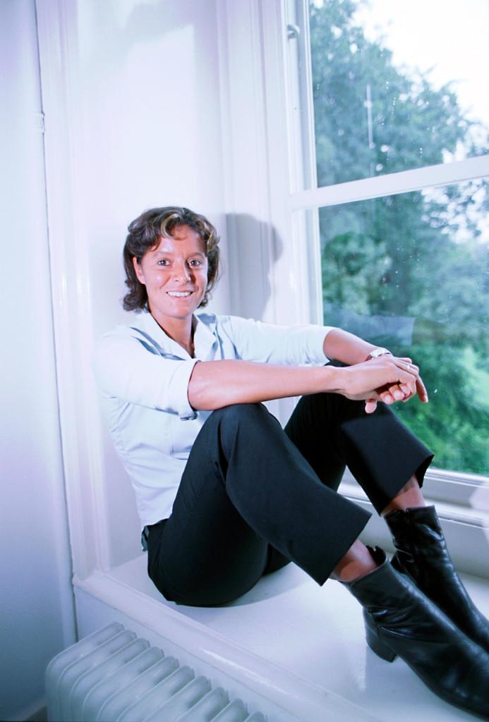 Palmira Brandao van Prefysio-Consult: 'Ter voorkoming van RSI is afwisseling het sleutelwoord: zitten-bewegen-staan-lopen-zitten.'