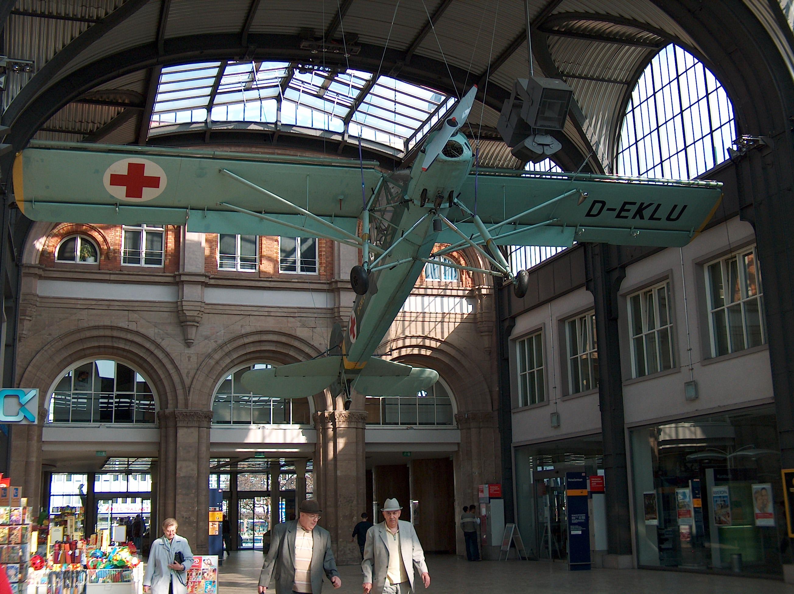 050423 Kulturbahnhof Fieseler Storch