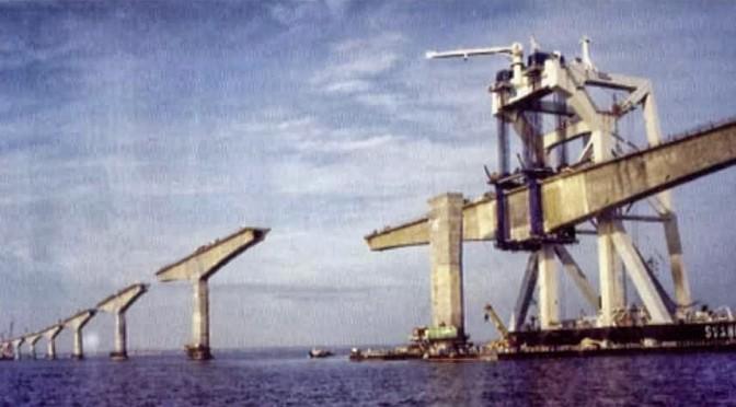 Canada: Bouw brug Prince Edward Island Bay (1996)