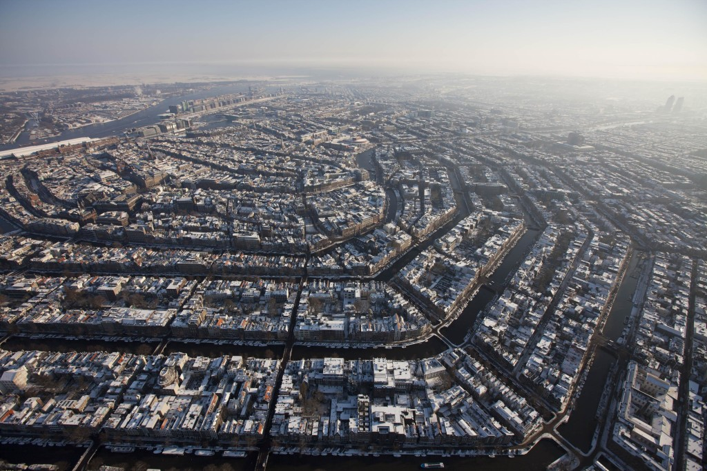 Bron: http://weekly10s.nl/top-10-2/grootste-steden-nederland/