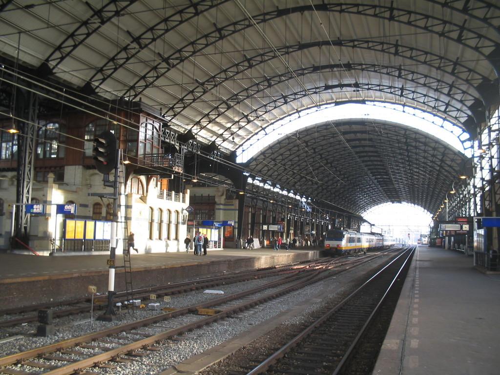 Haarlem_station_binnen