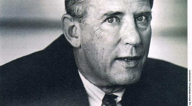 Ir. C. den Hartog, plaatsvervangend president-directeur KLM   'Techniek niet meer dominant in luchtvaart', 1994, nr 16, 11 oktober