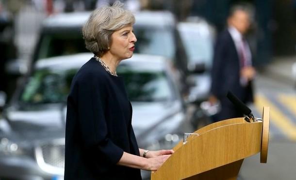 Hoe verder na Brexit: Vervang mcjobs door detailnijverheid (Het Financieele Dagblad, 20 augustus 2016)